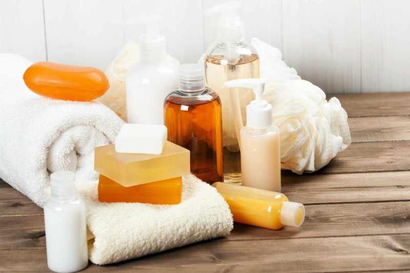 Productos de baño para un spa en casa