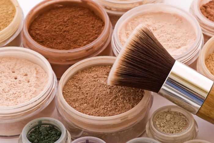 mejores polvos compactos para piel grasa