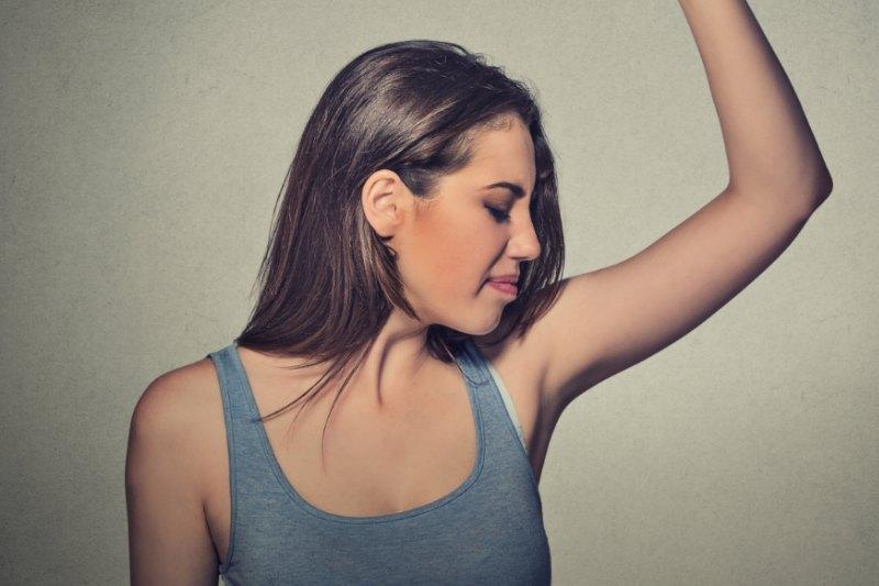 remedios para el exceso de sudoracion en las axilas