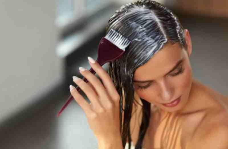 teñirse el pelo en casa trucos